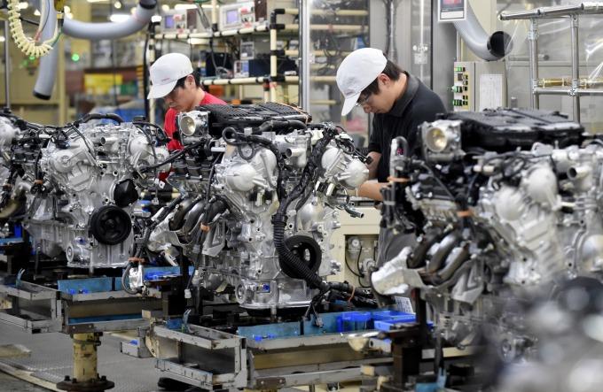 傳統燃油汽車的零件數量動輒上萬 (圖片:AFP)