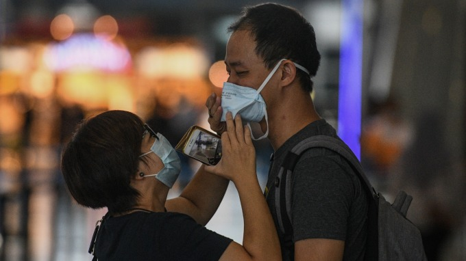 武漢肺炎疫情更新:日韓掀戰! 鑽石公主號翻版21例確診 逾12國現首例。(圖片:AFP)
