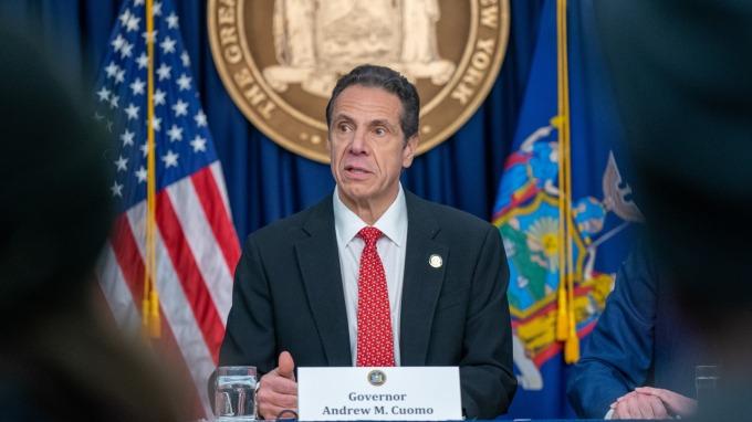 武漢肺炎病例激增,紐約州長古莫7日宣布全州進入緊急狀態。(圖:AFP)
