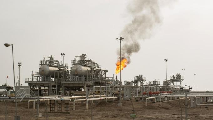 油價崩跌 分析師:原油已經是比武漢肺炎更嚴重的問題(圖片:AFP)
