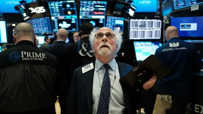 油價暴跌+疫情 花旗:今年全球企業獲利預期減10% (圖片:AFP)