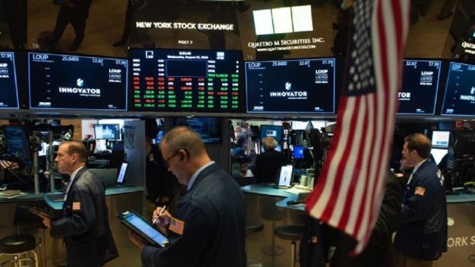 美股近期因信心而崩跌,短期關注焦點應擺在公債殖利率、高收債利差及VIX指數等三大信心指標走向。(圖:AFP)