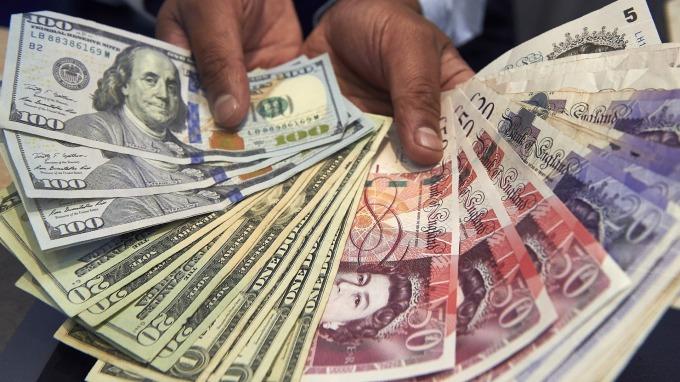 〈紐約匯市〉川普倡議減稅 美元強勢回彈1.7% 英鎊日圓走貶(圖片:AFP)