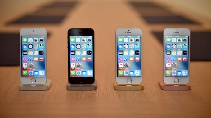 供應鏈受創 蘋果iPhone SE 2恐延後出貨(圖片:AFP)