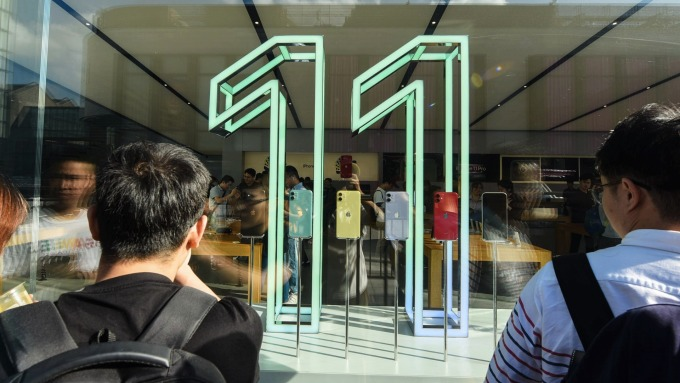 LG手機用OLED面板全球市占突破1成 三星仍穩坐寶座 (圖片:AFP)