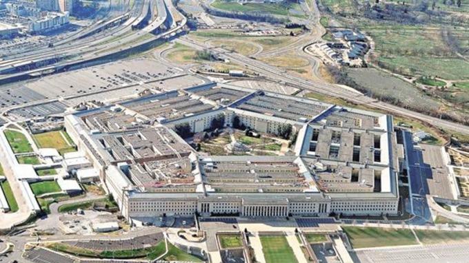 五角大廈37人確診!美國國防部長、副部長緊急「分開辦公」 (圖片:AFP)