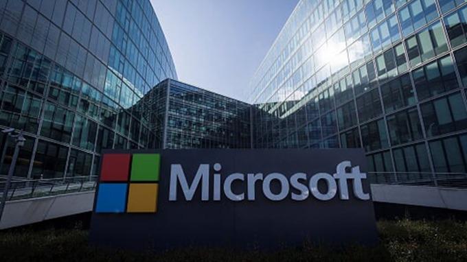 微軟Windows全球活躍裝置破10億台,將攜手宏碁、華碩再推新品。(圖:AFP)