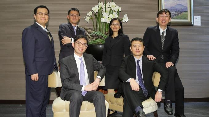國泰台大產學合作團隊預估,台灣央行將降息半碼,今年經濟看五大黑天鵝臉色。(圖:國泰金控提供)