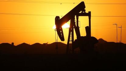 俄國鬆口 盼油價高一點 WTI原油應聲大漲14%(圖片:AFP)
