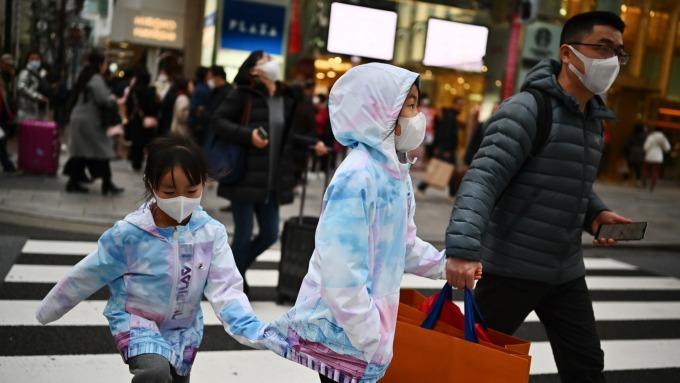 日本2月核心CPI上揚0.6% 口罩價格年增3.7% (圖片:AFP)
