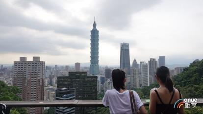 台北市新建案去年平均公設比走揚到近35%, 創歷史新高。(鉅亨網記者張欽發攝)