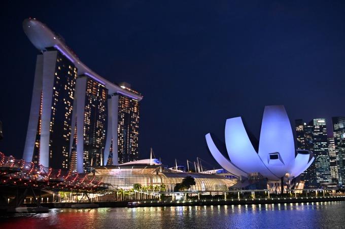 星展:新加坡恐陷入經濟衰退 估再端出 160 億美元刺激方案 (圖片:AFP)