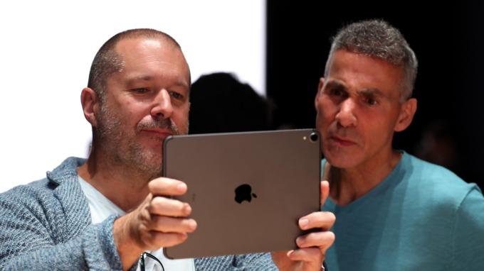 供應緊縮!蘋果祭限購令iPhone、新品iPad Pro「限買兩台」(圖片:AFP)