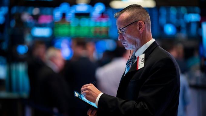分析師認為,美股或許浮現觸底跡象。(圖:AFP)