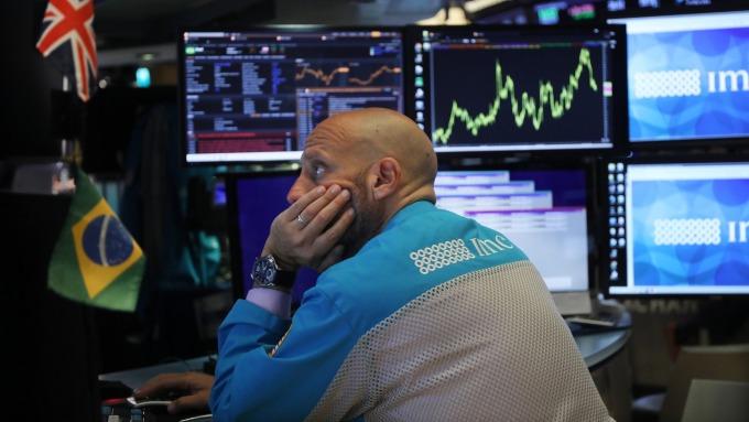 股災想斷尾求生?結果不一定好。(圖:AFP)