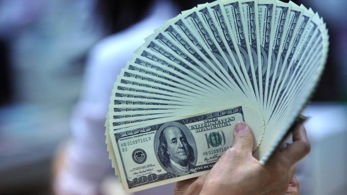政府充當最後的信用背書者,帶動股市回穩。(圖:AFP)