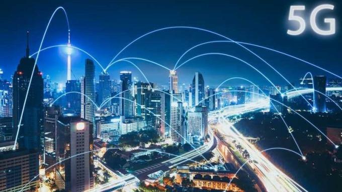 隨著全球電信業者積極投入5G基礎建設,最快預計在2020下半年就能看到相關商用服務。在10倍速的狂飆時代,未來的5G生活將不可限量。(圖:工業技術資訊月刊)