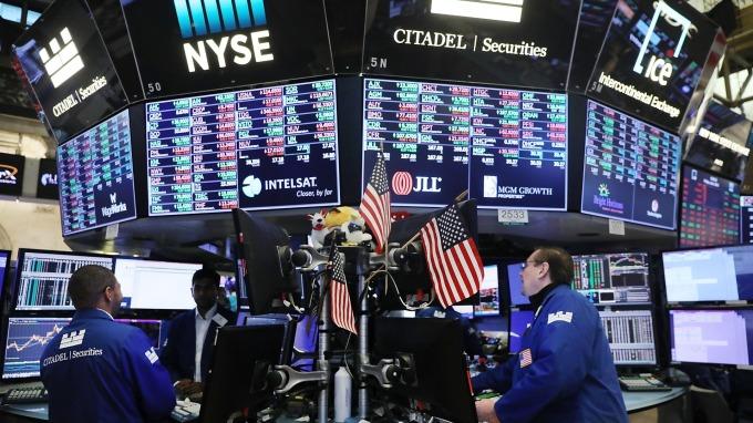 疫情引爆全球股災,美股也因此跌入熊市。(圖:AFP)