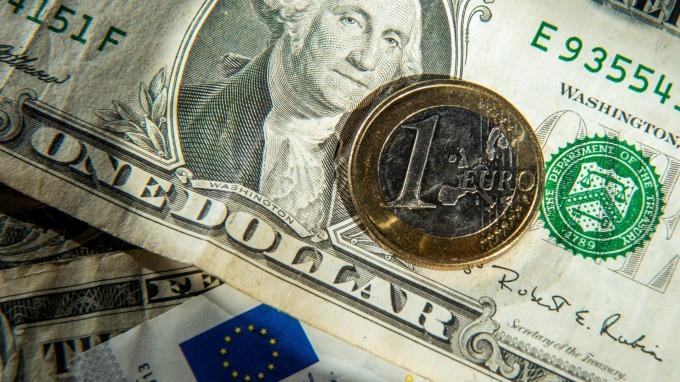 歐洲考慮發共同債抗疫 「新冠債券」有望發行? (圖:AFP)