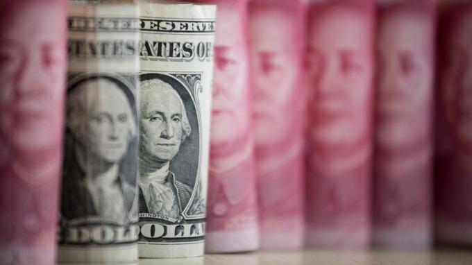 高盛:美元過強 恐需立即干預(圖:AFP)