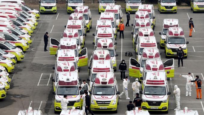 南韓專家警告:肺炎疫情恐在秋天再度大流行 (圖片:AFP)