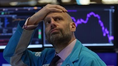 美股上沖下洗 一些分析師放棄預測年底目標價位  (圖:AFP)