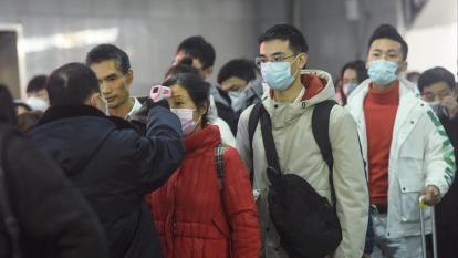 金萬林攜美廠開發新冠病毒檢測。(圖:AFP)