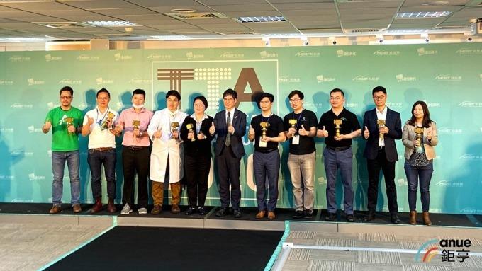 科技部年度十大科技新創,8家結合AI、生醫。(鉅亨網劉韋廷攝)