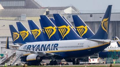航空業經營的大困境:全球國際線運量大減56% (圖片:AFP)