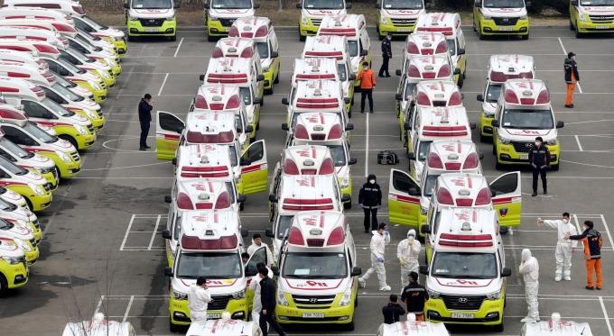 英專家團隊:各國若不盡早採取有效措施 今年將有4千萬人死於武漢肺炎 (圖片:AFP)