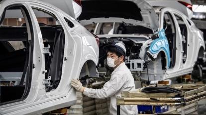 中國1-2月工業企業利潤年減38.3% 為10年來最糟成績(圖:AFP)