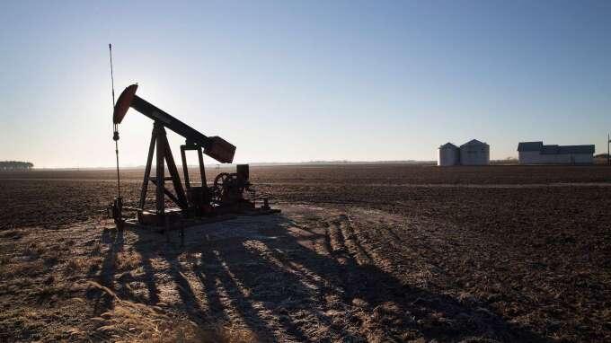 供應過剩情況加劇 倫敦油價大跌至近17年最低(圖:AFP)