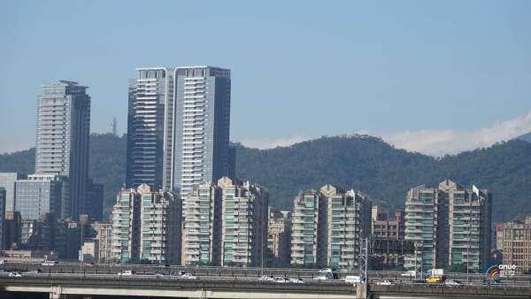 北市高樓層豪宅成僑外資最愛,天鑄、西華富邦都有成交紀錄。(鉅亨網記者張欽發攝)