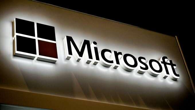疫情推升在家辦公需求 微軟雲端服務需求激增775%(圖片:AFP)