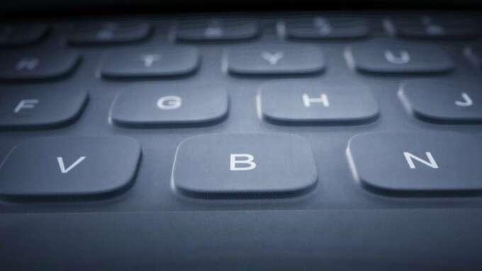 蘋果獲新專利 新式鍵盤和配件可防碎屑和液體潑濺(圖片:AFP)