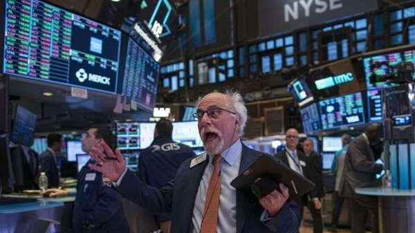 〈美股盤後〉本週開局良好!最後一小時全力衝刺 四大指數齊漲逾3% (圖片:AFP)