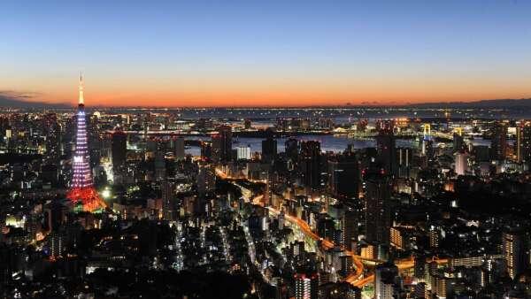 拚防疫!東京、大阪呼籲避免夜生活 部分百貨週末停業 (圖片:AFP)