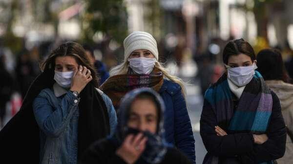疫情衝擊 標普:今年全球經濟成長恐將趨近零(圖片:AFP)