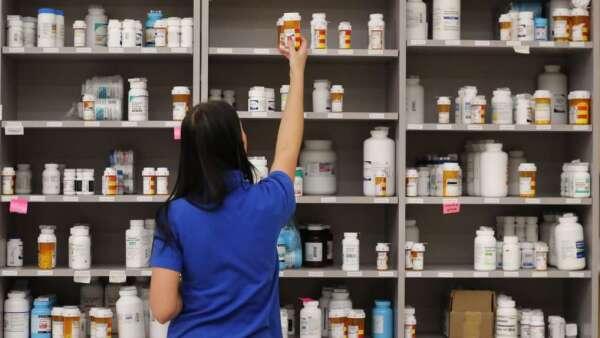 抗生素、慢性病用藥恐短缺 台灣藥廠怎麼逆勢出擊?(圖:AFP)