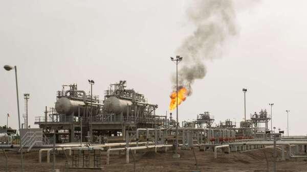 IEA:石油價格暴跌將進一步衝擊全球供應鏈(圖片:AFP)