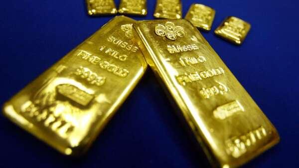 〈貴金屬盤後〉初次請領失業救濟金人數暴增 黃金5日來首次收高(圖片:AFP)