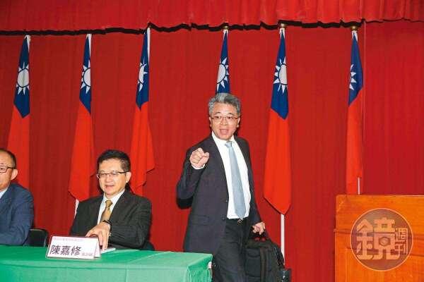 龍邦提案解任泰山董事長的董事身分,讓詹逸宏陷入董座不保的危機。