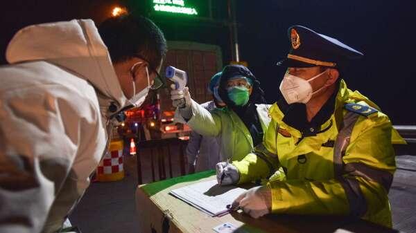 中國海關總署:出口醫療劣質物資將重罰(圖片:AFP)