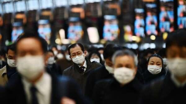 日本2月消費支出年減0.3%連5個月減少 肺炎影響浮現 (圖片:AFP)