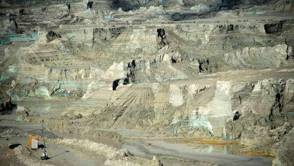 惠譽:今年全球GDP萎縮1.9% 銅市供過於求  (圖片:AFP)