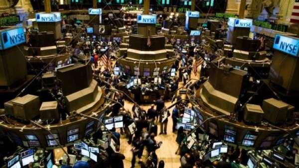 S&P 500企業獲利恐不如預期 美股仍有回跌風險(圖:AFP)