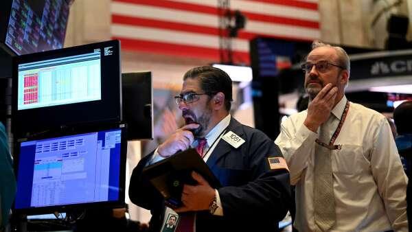 債券潛藏4大風險,留意投資組合抗波動力。(圖:AFP)