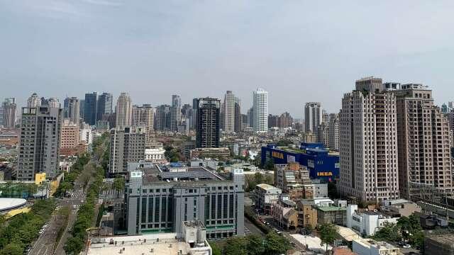 自QE及降息公布後,總價4000萬以上的物件來客量大增,目光則聚焦在七期新市政中心。(圖/例智提供)