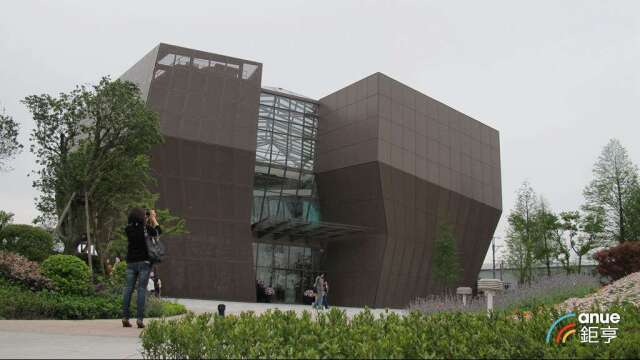 宏亞桃園觀光工廠巧克力共和國5月1日起提前整修。(鉅亨網記者張欽發攝)