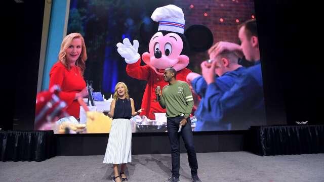 疫情暴風眼!迪士尼業務遭重創 主題樂園更恐怕明年才能重啟(圖片:AFP)